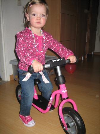 Carlien op de fiets